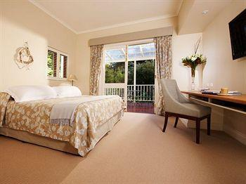 - Spicers Clovelly Estate