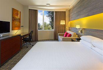 - Four Points By Sheraton Perth