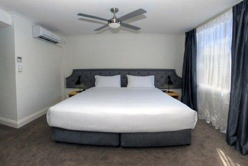 Guestroom - Pensione Hotel Perth