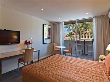 - Travelodge Perth