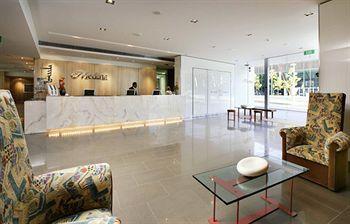 - Adina Apartment Hotel Perth