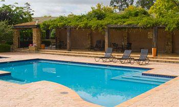 - Mercure Resort Hunter Valley Gardens