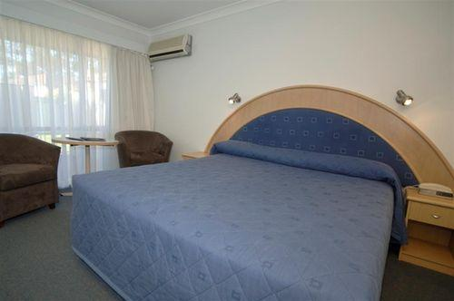 Guestroom - Best Western Macquarie Barracks Motor Inn