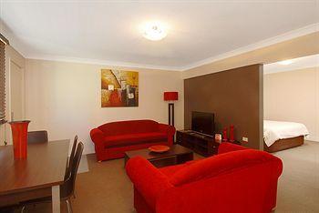 - Comfort Inn Fairways