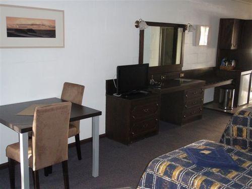 Choice2 - West Coaster Motel