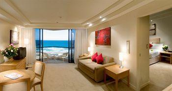 - QT Gold Coast