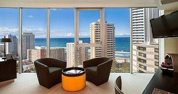 - Hilton Surfers Paradise Residences