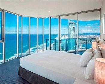 - Hilton Surfers Paradise Hotel
