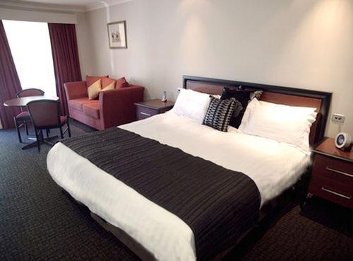 Guestroom - Best Western Plus All Settlers Motor Inn