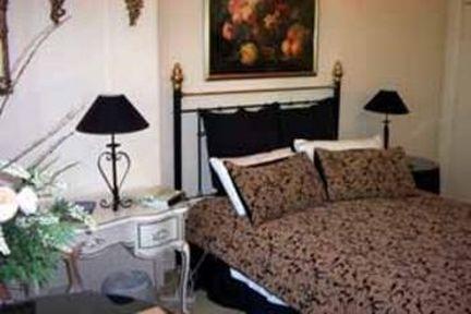 Guestroom - QUALITY INN TOORAK MANOR