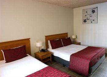 - Comfort Inn Robert Towns