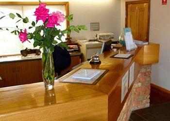 - Quality Inn Carriage House