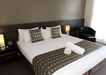 - Comfort Inn Western