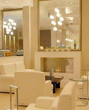 Exterior - Quality Suites Deep Blue