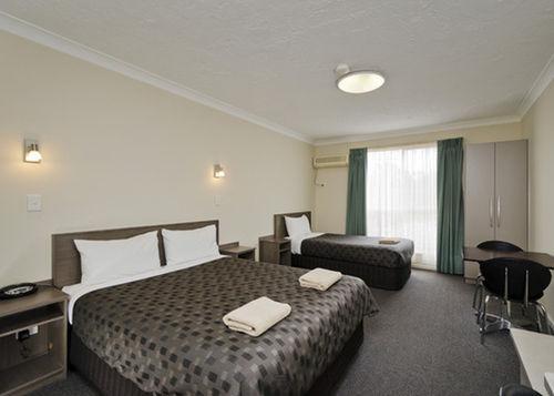 Choice2 - Comfort Inn & Suites Werribee