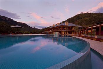 - Emirates Wolgan Valley Resort & Spa
