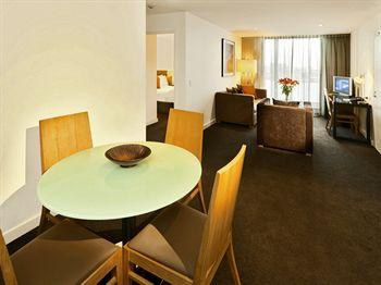 - Adina Apartment Hotel Wollongong