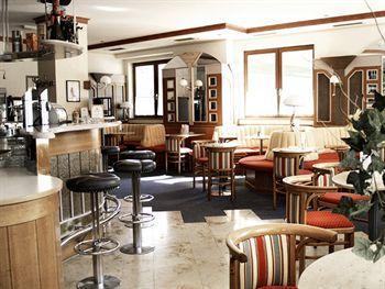 - Vital-Seminarhotel Wienerwald