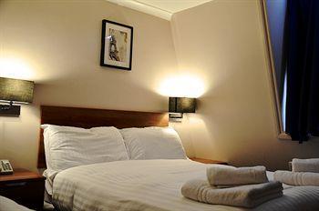 - HANOVER HOTEL
