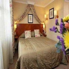 Guestroom - BLANDFORD HOTEL