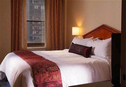 Guestroom - Park Central New York Hotel
