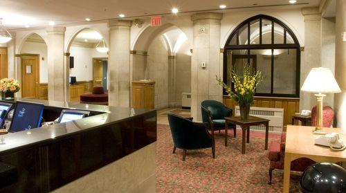 Lobby - Salisbury Hotel