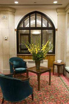 - Salisbury Hotel