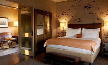 - Soho Grand Hotel