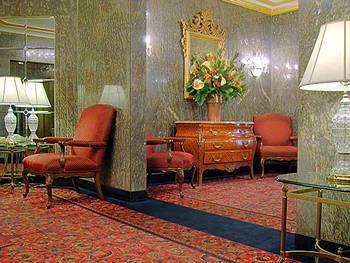 - Residence Inn by Marriott New York Manhattan/Midtown East