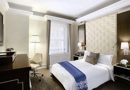 Guestroom - Carlton Hotel, Autograph Collection