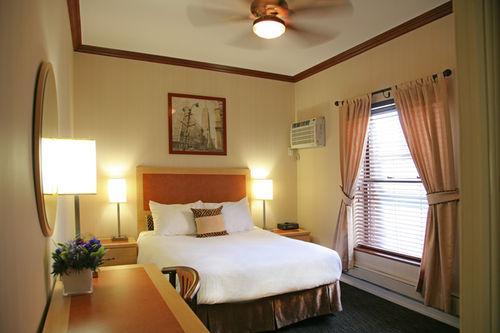 Guestroom - Cosmopolitan Hotel - Tribeca