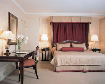 Guestroom - The Lombardy