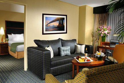 Guestroom - DoubleTree Suites by Hilton New York City - Times Square
