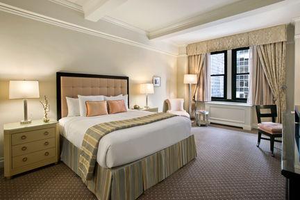 Guestroom - Warwick New York Hotel