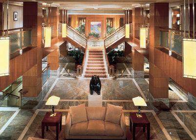 Lobby - The Kitano New York
