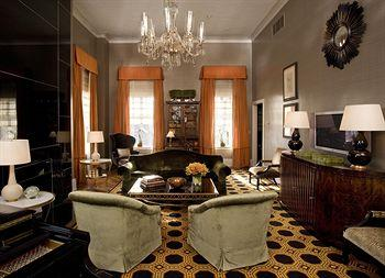 - The Carlyle, A Rosewood Hotel