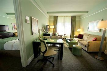 - HOTEL BEACON