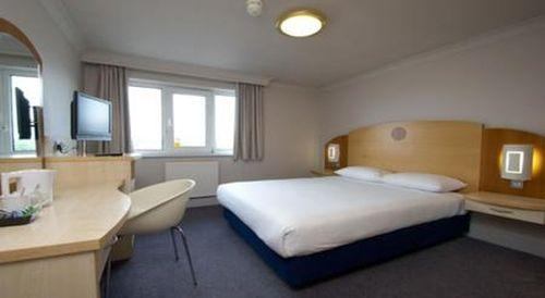 Guestroom - TRAVELODGE READING OXFORD ROAD