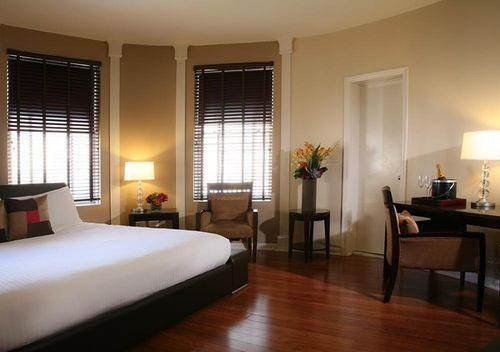 Choice2 - Hotel Belleclaire
