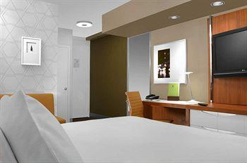 - DoubleTree by Hilton Metropolitan - New York City