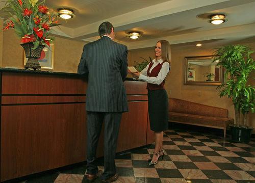 Lobby - Broadway Plaza Hotel