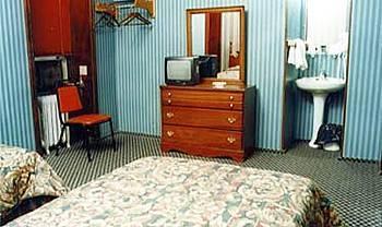 - Hotel 17