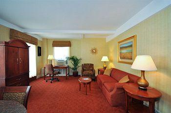 - Bedford Hotel