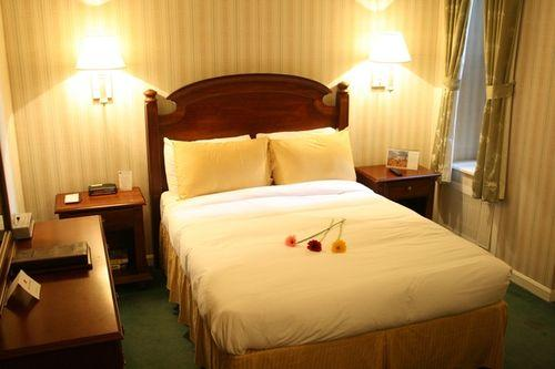 Guestroom - Hotel Stanford