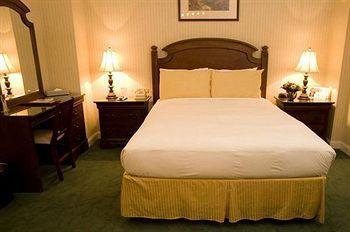 - Hotel Stanford