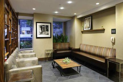 Lobby - Hampton Inn New York Chelsea