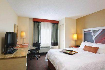 Guestroom - Hampton Inn New York Chelsea