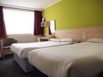 - Euro Queens Hotel
