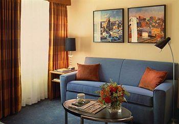 - Residence Inn by Marriott New York Manhattan/Times Square
