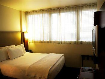 - Hotel 373 Fifth Avenue